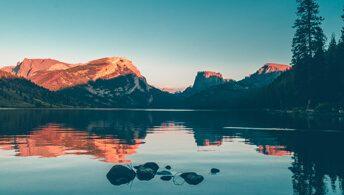 std-mountain-lake-sunset