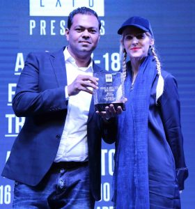 Md. Mostafiz Uddin, CEO and Founder of Bangladesh Denim Expo. id presenting crest to world renowned denim expert Ms. Amy Leverton