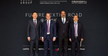 1.	From left to right: Zhao Qing, Xinjiang Uygur Autonomous Region Vice Chairman; Stefano Gallucci, Santex Rimar Group CEO; Ferdinando Businaro, Santex Rimar Group President; Liang Yong, Xinjiang Uygur Autonomous Region People's Government Deputy Secretary-General, Xinjiang Textile and Apparel Employment Leading Group Office Director