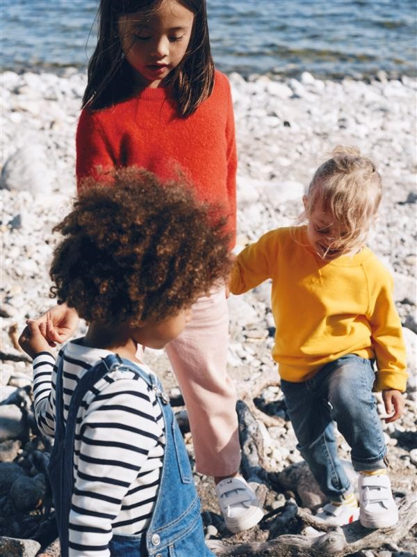 arket-starts-renting-out-childrenswear-1