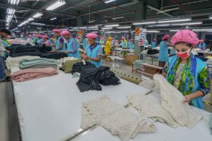 sweater-factory-566